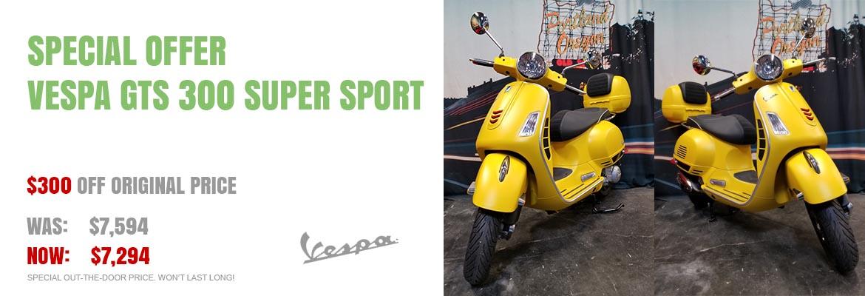 Save $300 on a New 2018 Vespa GTS 300 Super Sport