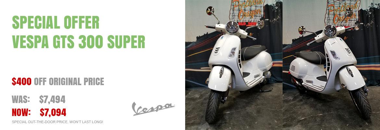 Save $400 on a new 2018 Vespa GTS 300 Super